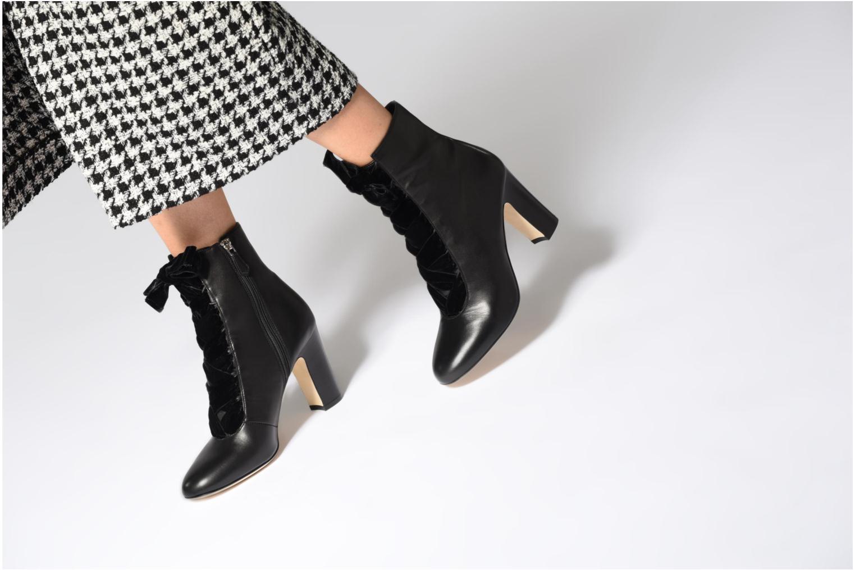 Stiefeletten & Boots L.K. Bennett Maxine schwarz ansicht von unten / tasche getragen