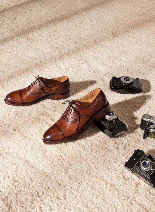 Chaussures à lacets Marvin&Co Luxe Walsham - Cousu Goodyear Marron vue bas / vue portée sac