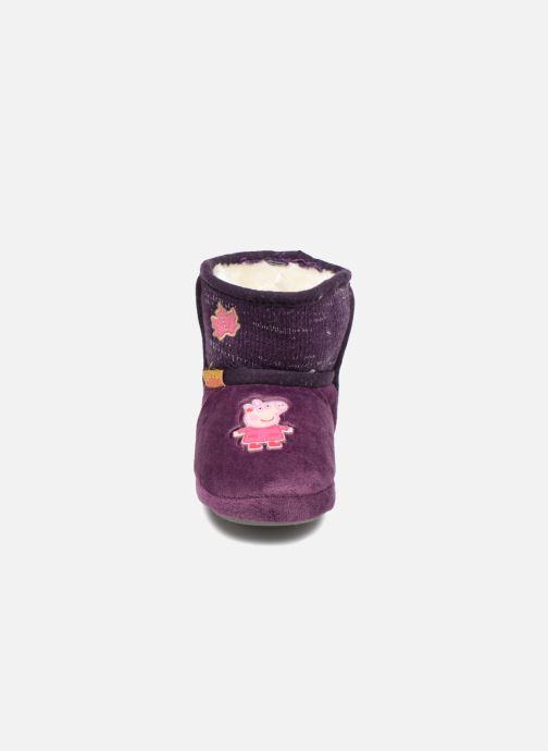 Pantofole Peppa Pig Roxane Viola modello indossato