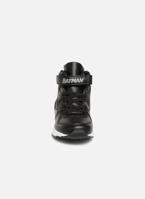 Baskets Batman Beetle Noir vue portées chaussures