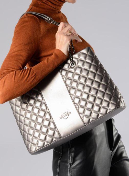 Bolsos de mano Love Moschino Cabas Metallic Super Quilted Plateado vista de abajo