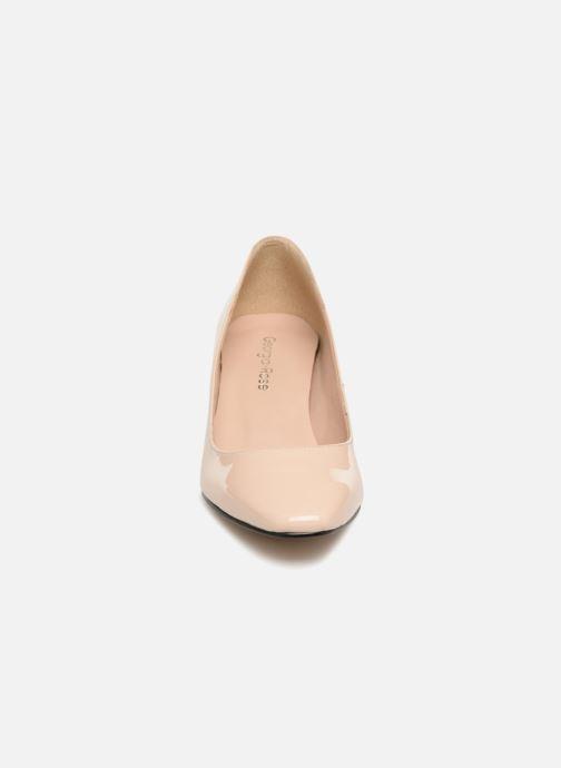 Zapatos de tacón Georgia Rose Satrot Beige vista del modelo
