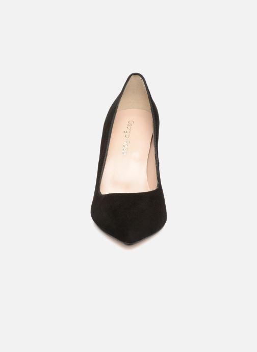 Zapatos de tacón Georgia Rose Sunseta Negro vista del modelo