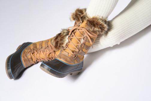 Chaussures de sport Kimberfeel ODESSA Beige vue bas / vue portée sac