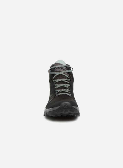 Chaussures de sport Salomon OUTline Mid GTX® W Noir vue portées chaussures