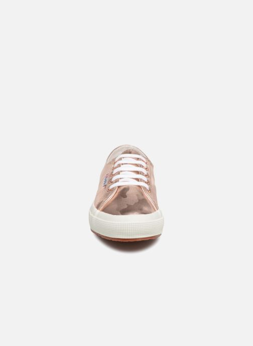 Baskets Superga 2750 Army Chrom W Rose vue portées chaussures