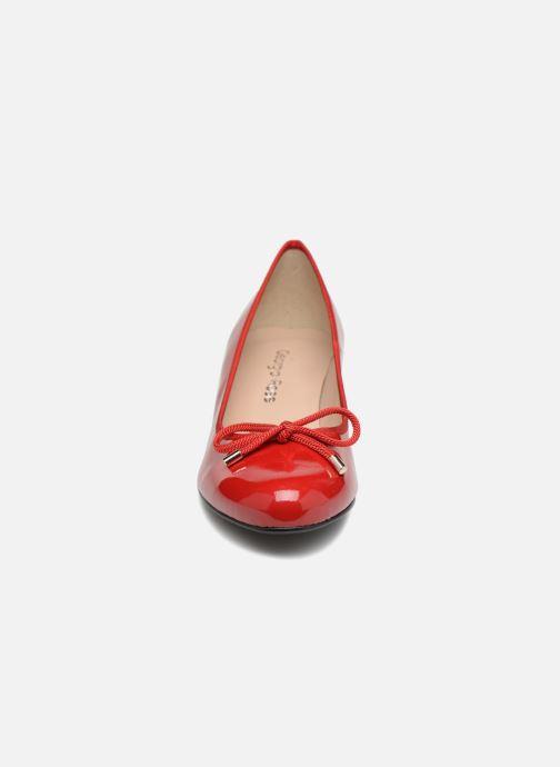 High heels Georgia Rose Staci Soft Red model view