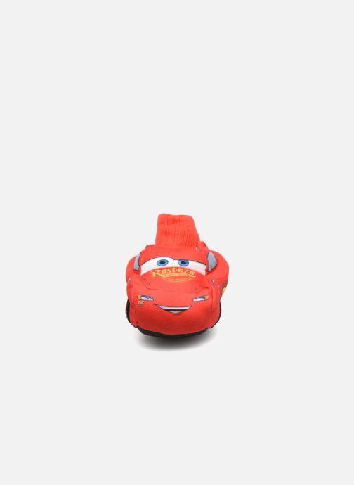 Pantofole Cars Sabazan Rosso modello indossato