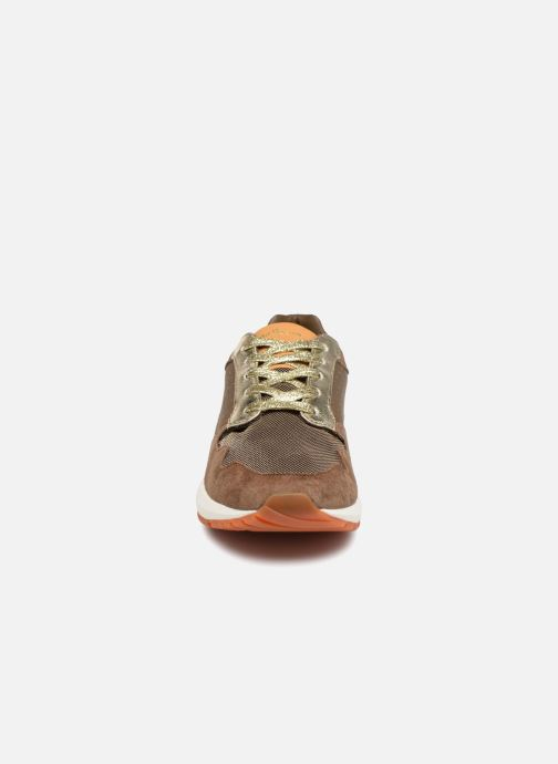 Baskets Pepe jeans FOSTER ITAKA Marron vue portées chaussures
