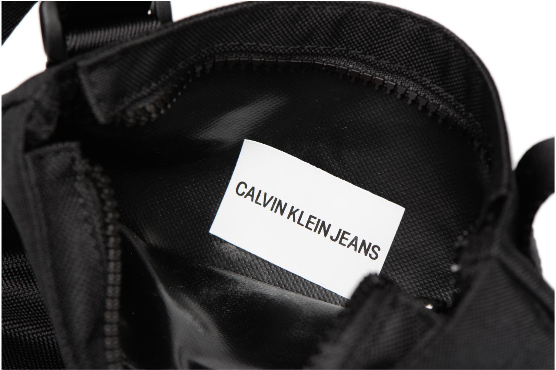 Herrentaschen Calvin Klein SPORT ESSENTIAL MICRO FLAT PACK schwarz ansicht von hinten