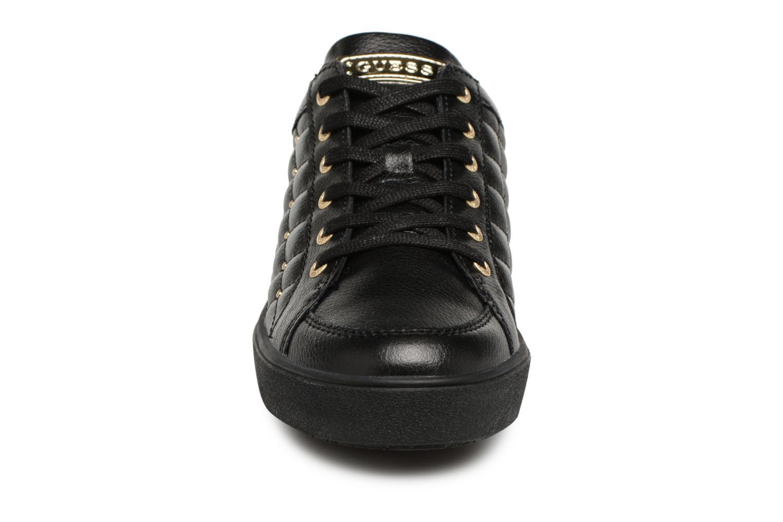 Sneaker Guess Gleena schwarz schuhe getragen