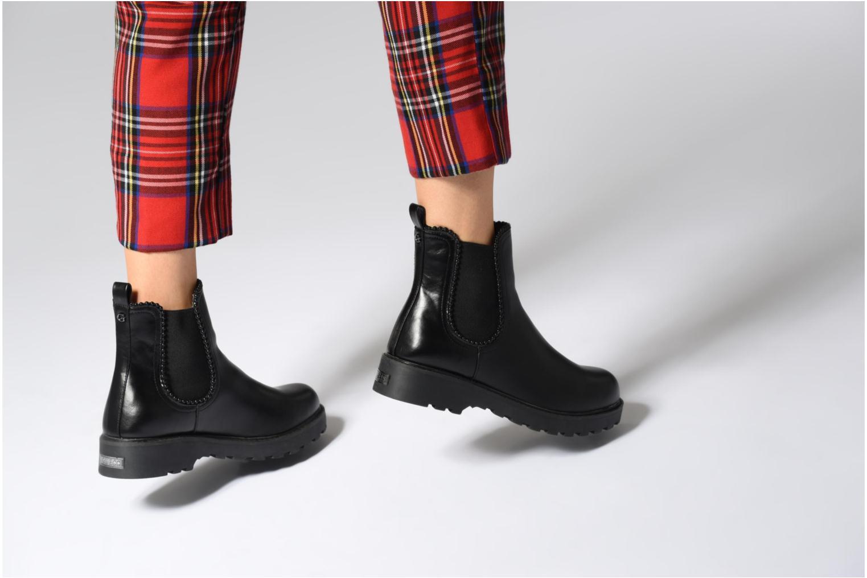 Stiefeletten & Boots Guess Nola schwarz ansicht von unten / tasche getragen