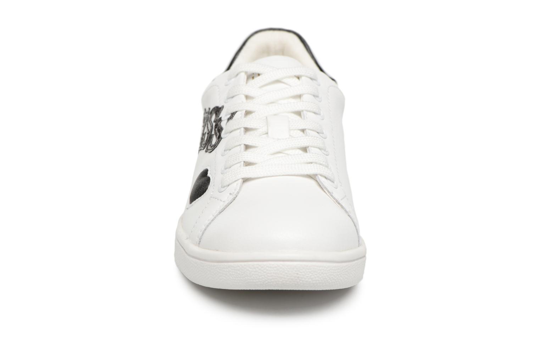 Sneaker Guess Super  4 weiß schuhe getragen