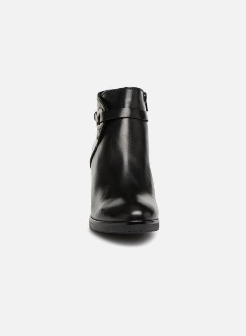 Bottines et boots Georgia Rose Dorina Noir vue portées chaussures