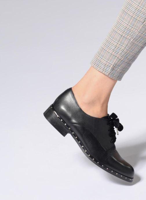 Chaussures à lacets Georgia Rose Clouta Noir vue bas / vue portée sac