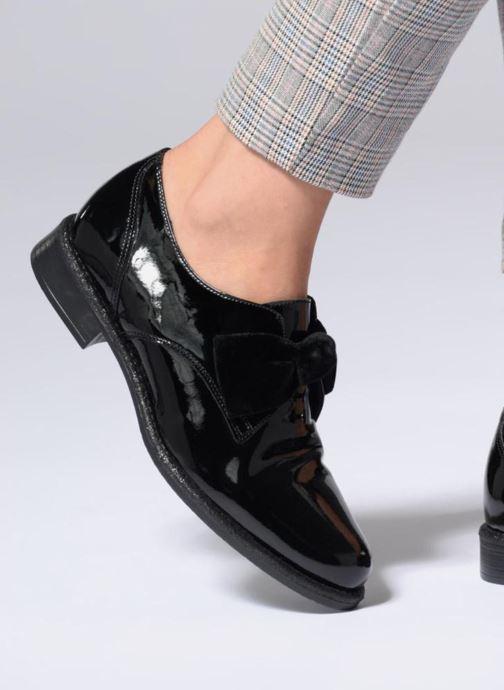 Chaussures à lacets Georgia Rose Covelvet Noir vue bas / vue portée sac