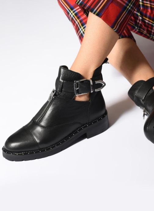 Ankle boots Bronx BKINGDOMX Black view from underneath / model view