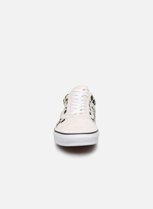 Baskets Vans Old Skool M Blanc vue portées chaussures