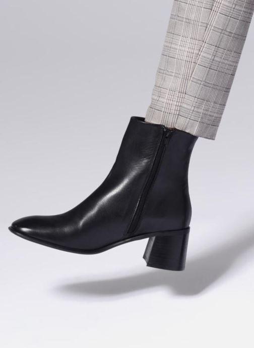 Bottines et boots E8 by Miista STINA Noir vue bas / vue portée sac