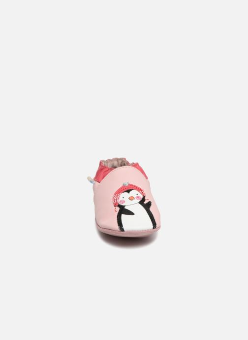 Chaussons Robeez Pingu Stories Rose vue portées chaussures