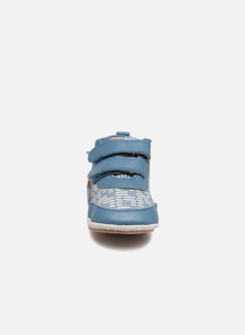 Chaussons Robeez Beary Bleu vue portées chaussures