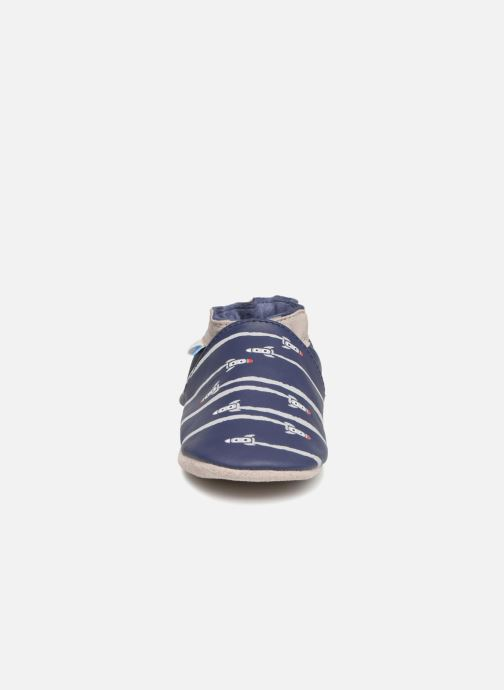 Pantofole Robeez Fuz Azzurro modello indossato