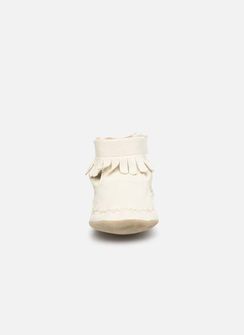 Chaussons Robeez Funky Shoe Blanc vue portées chaussures