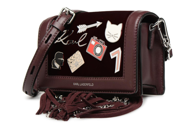 Sacs à main KARL LAGERFELD K Klassic Pins Crossbody Bordeaux vue portées chaussures