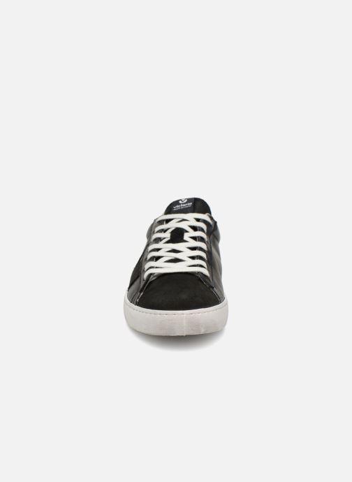 Sneakers Victoria Deportivo Piel/Serraje Nero modello indossato
