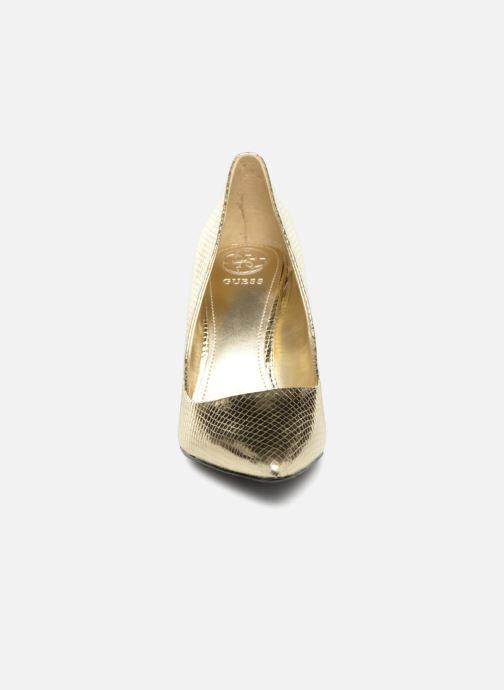 Escarpins Guess BENNIE9 Or et bronze vue portées chaussures