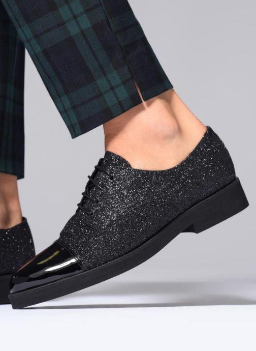 Schnürschuhe Made by SARENZA 80's Disco Girl Chaussures à Lacets #3 schwarz ansicht von unten / tasche getragen