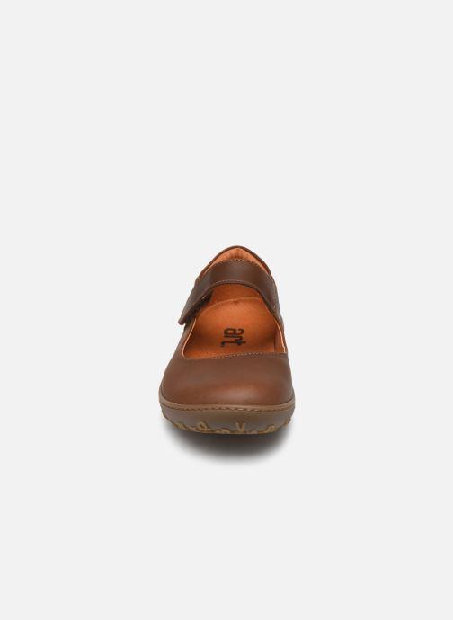 Ballerines Art ANTIBES 1420 Marron vue portées chaussures
