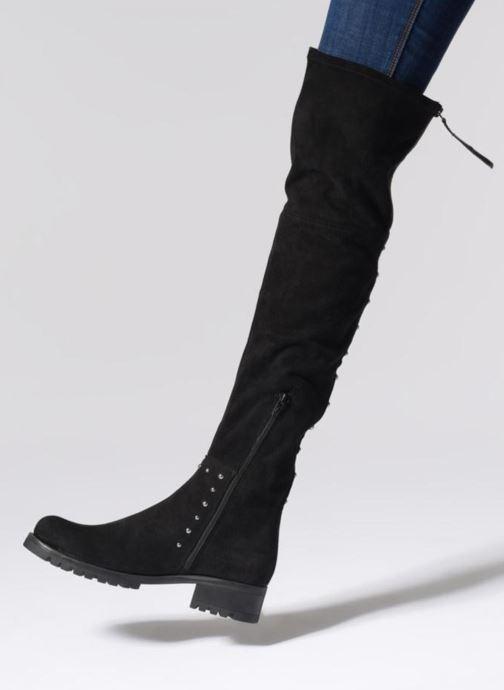 Stiefel Unisa ITAI  ST schwarz ansicht von unten / tasche getragen