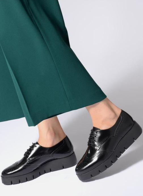 Schnürschuhe Unisa FOLLIE GS schwarz ansicht von unten / tasche getragen