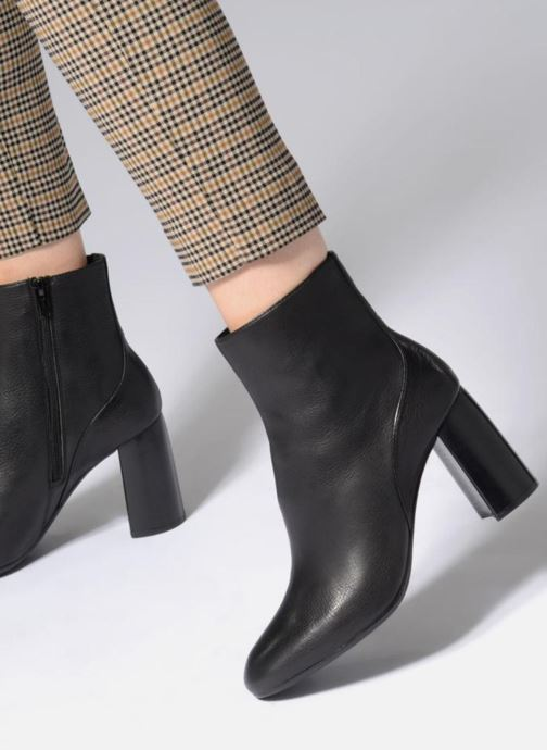 Bottines et boots Unisa ODOLFO STY Noir vue bas / vue portée sac