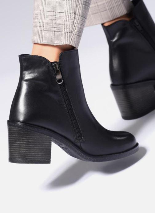 Bottines et boots Aldo ETELILLA Noir vue bas / vue portée sac