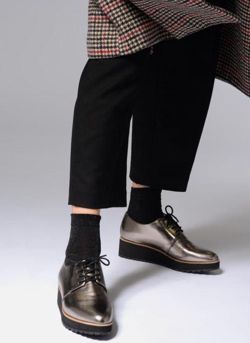 Schnürschuhe Aldo LOVIREDE silber ansicht von unten / tasche getragen