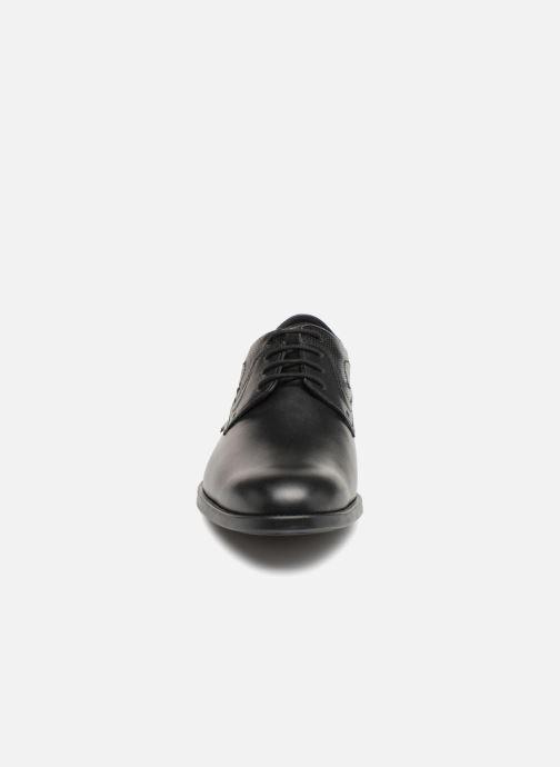 Zapatos con cordones Mephisto Cirus Negro vista del modelo