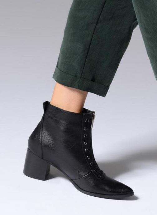 Ankle boots Chattawak MATERA Black view from underneath / model view