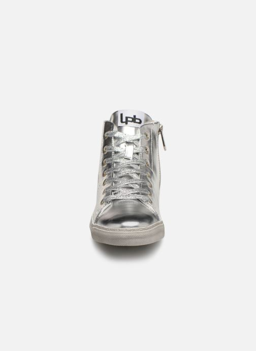 Trainers Les P'tites Bombes ANASTASIA Silver model view