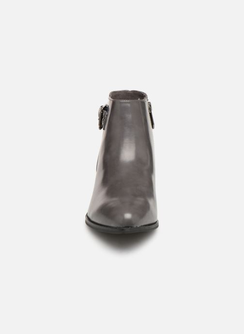 Bottines et boots Les P'tites Bombes JOSEPHINE Gris vue portées chaussures