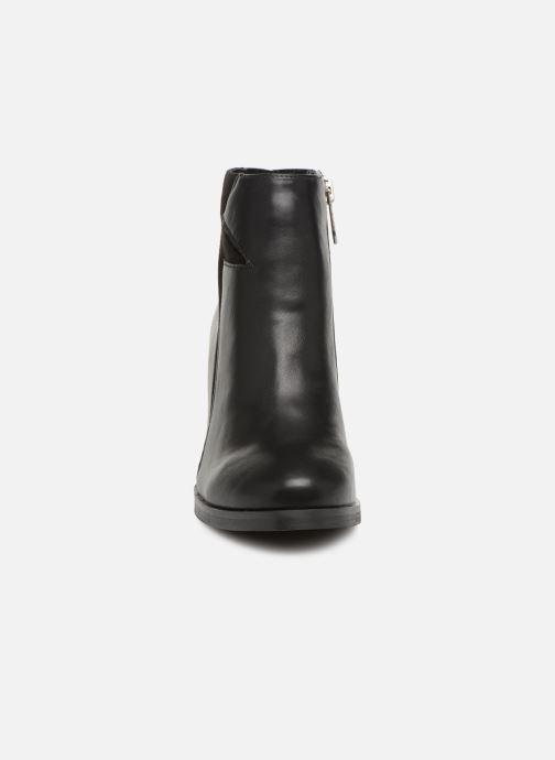 Ankelstøvler Les P'tites Bombes IZIA Sort se skoene på