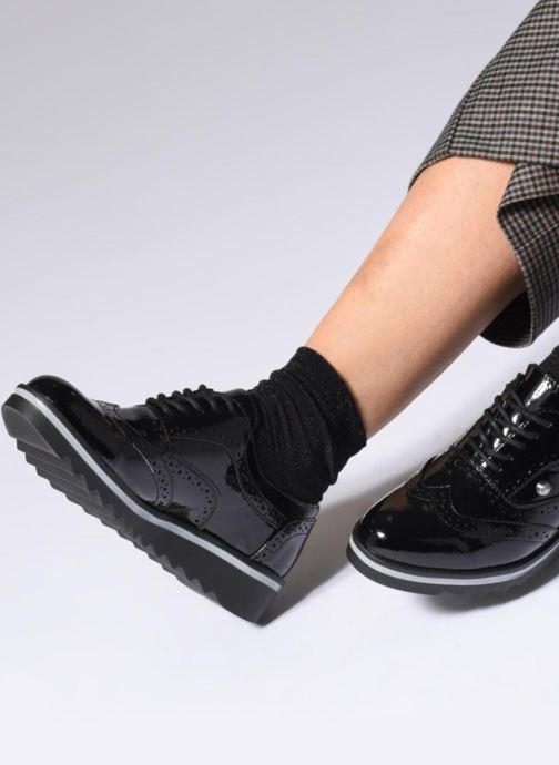Chaussures à lacets Les P'tites Bombes GARANCE Noir vue bas / vue portée sac