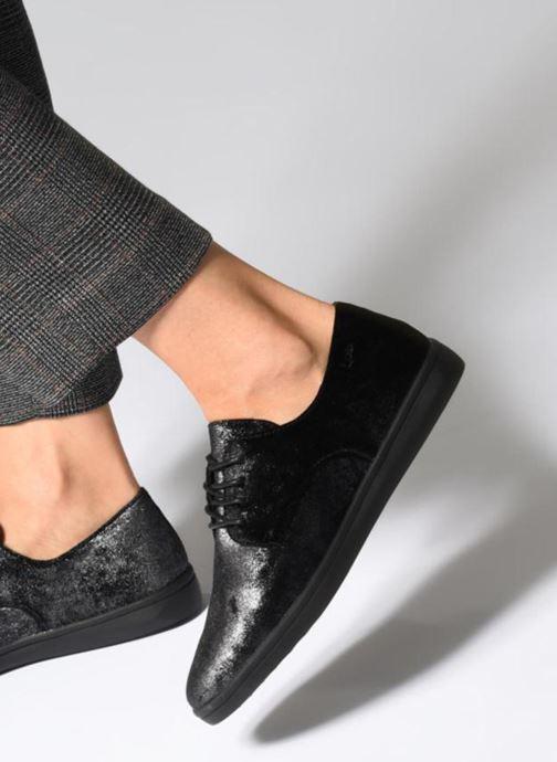Chaussures à lacets Les P'tites Bombes FLORENCE Noir vue bas / vue portée sac
