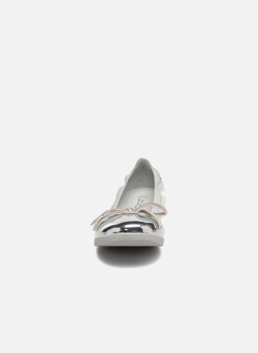 Ballerines Les P'tites Bombes EMMA METAL Argent vue portées chaussures