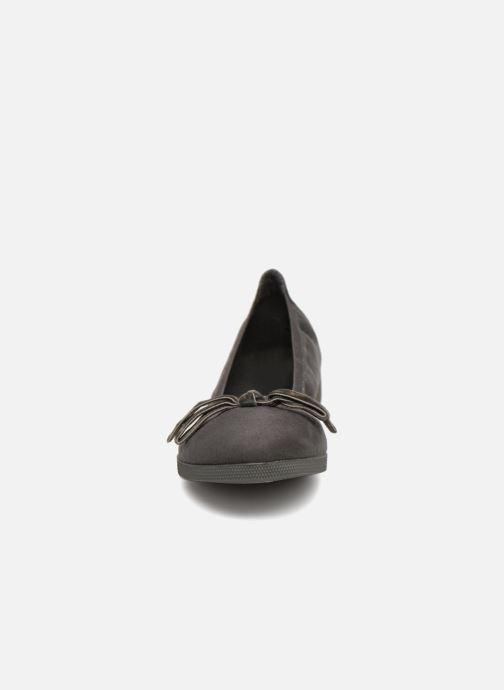 Ballerines Les P'tites Bombes EMMA Gris vue portées chaussures