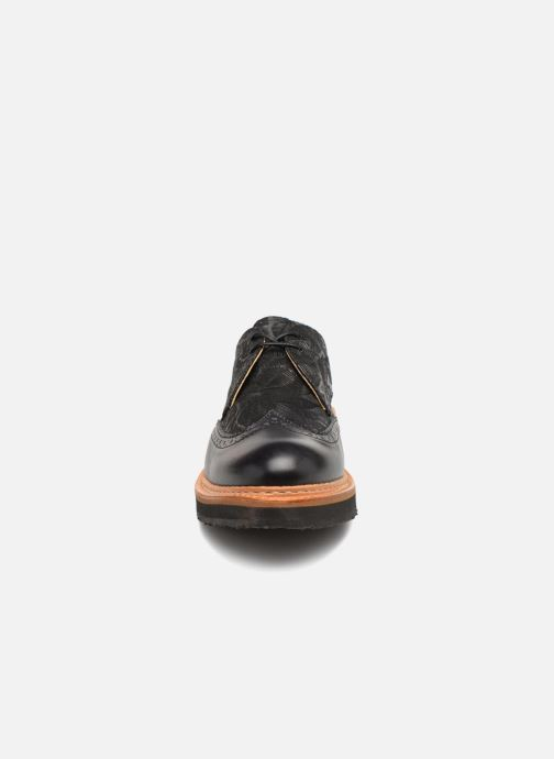 Lace-up shoes Neosens SUMOLL Black model view