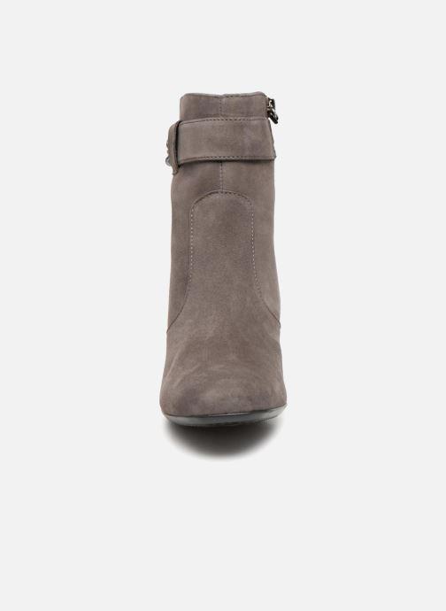 Bottines et boots Ara Chelsea 43521 Gris vue portées chaussures