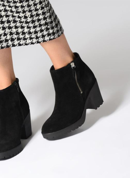 Bottines et boots Pieces PSDEVRA SUEDE BOOT Noir vue bas / vue portée sac