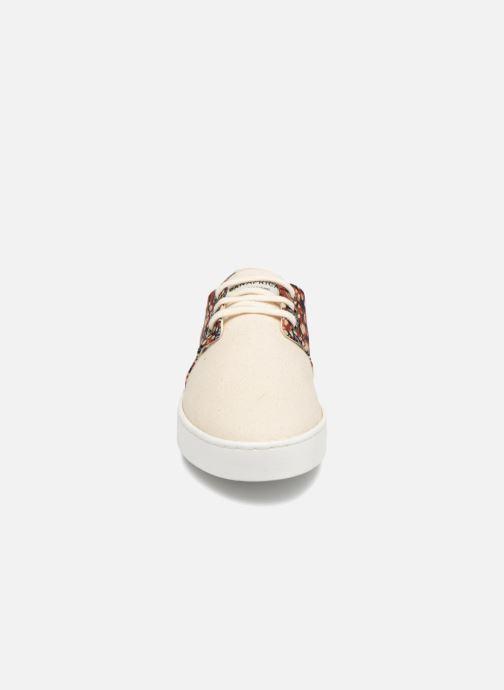 Baskets Panafrica Alizé W SARENZA X PANAFRICA Beige vue portées chaussures